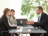 Employees, executive and senior executive (cadre dirigeant): the targets written in English are non-invocable to employees